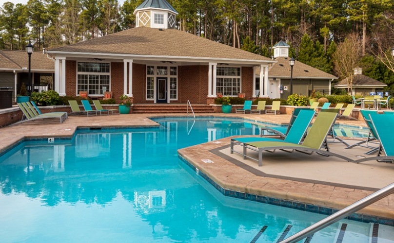 Pool area with ample seating
